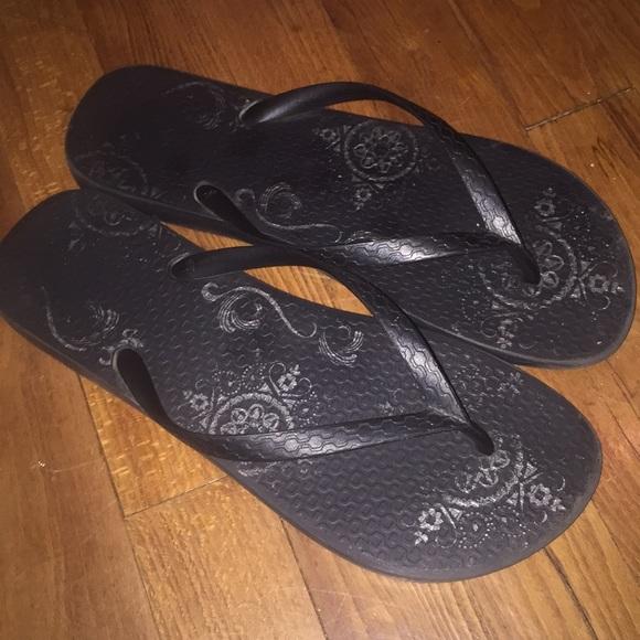 84a824f5b8f8 Grendene Shoes - Grendene Black Flip Flops 8.5 9 MADE IN BRAZIL